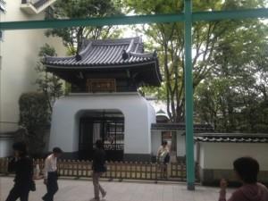 サンロードの月窓寺