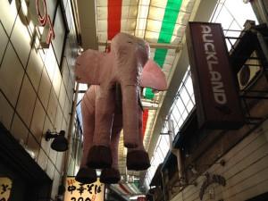降臨が待たれるピンクの象