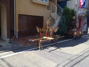 西荻の街中に見られる神輿