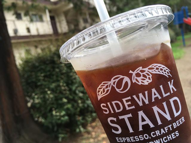 暑い日に嬉しいテイクアウトのアイスコーヒー