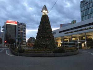 北口駅前広場のツリー2016年