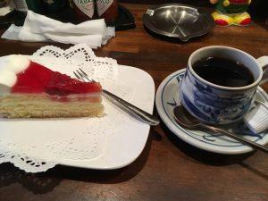 マルゼン46のケーキとコーヒー